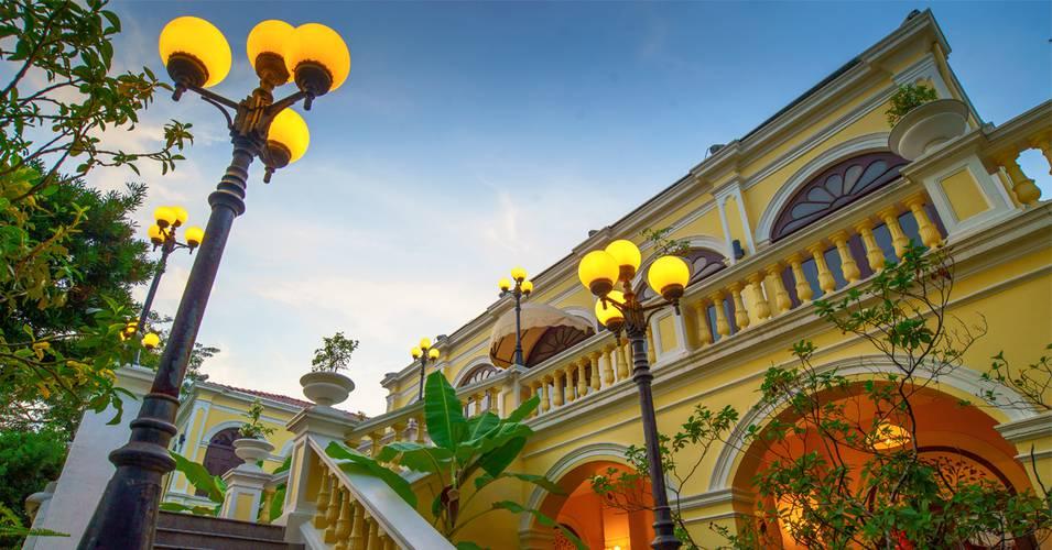 Building praya palazzo hotel bangkok